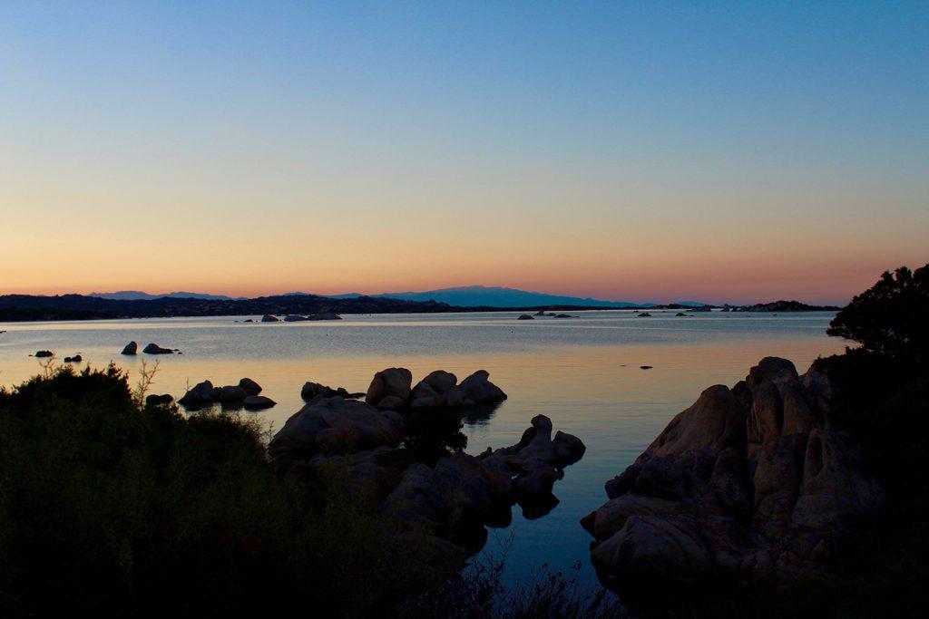 sunset, coucher de soleil sur la mer à la maddalena